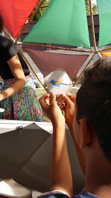 Tecnologia e Artes no Sesc Registro-SP: oficinas de brinquedos ópticos e lambe-lambe