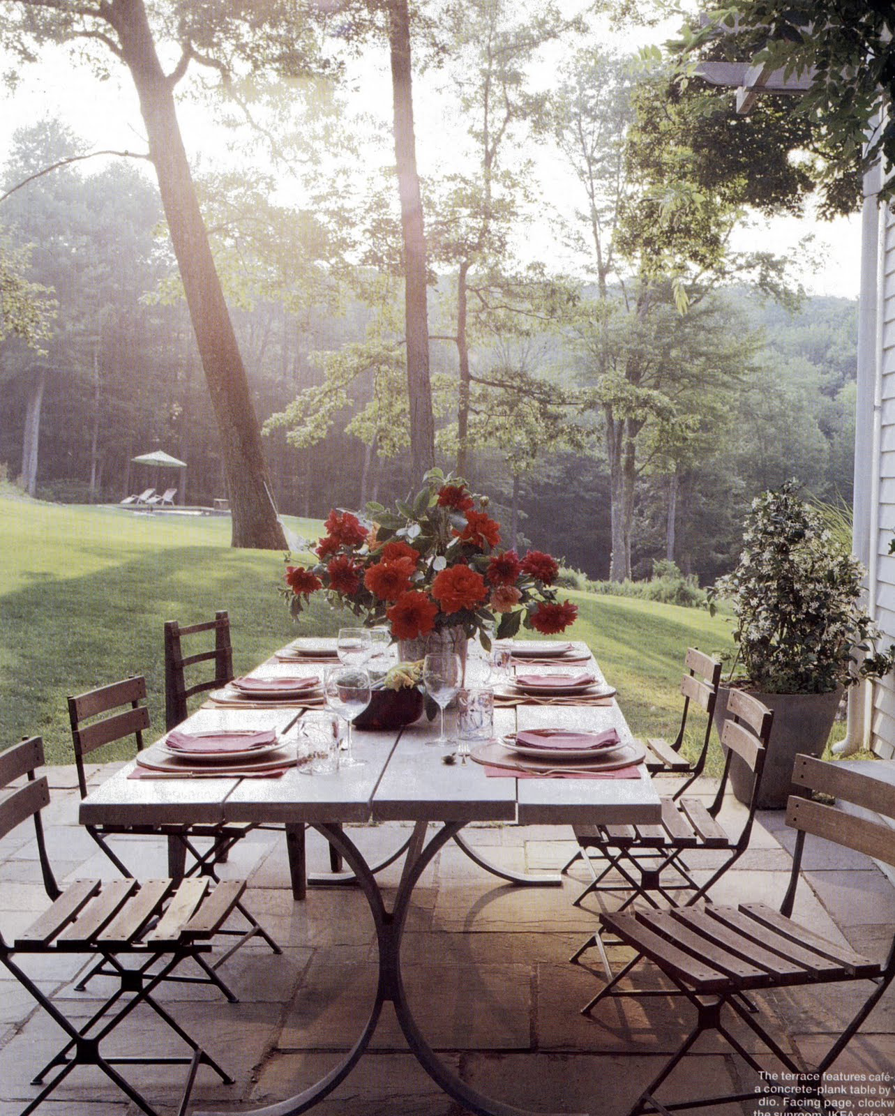 Color Outside The Lines: LOVE ... Outdoor Dining Rooms