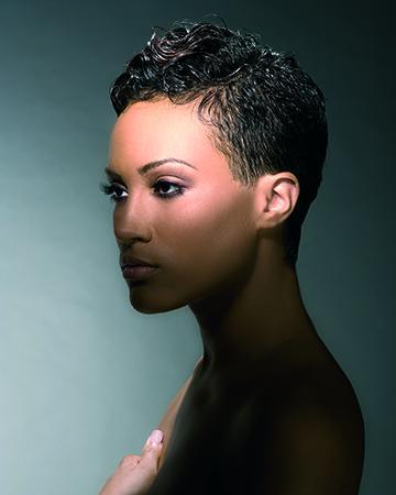 Geschoren zwarte vrouwen