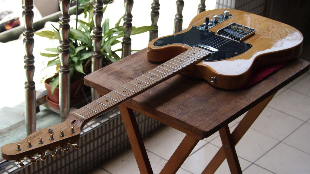 How to set up a Fender Telecaster-style guitar | DIY Strat ... Wiring A Strat Like Tele on