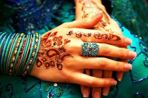 Mehndi Hands Dps : Mehndi hands for dp images about hands😘✋👍💜 on we heart