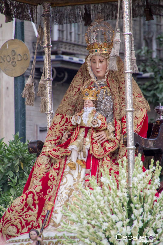 Las cofrad as de sevilla procesi n de la virgen de los reyes for Mudanzas virgen de los reyes