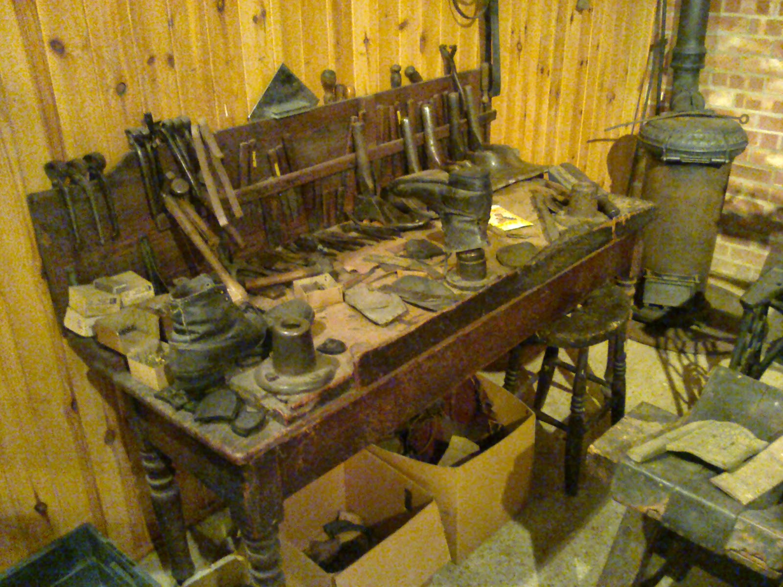 Shoe menders work bench