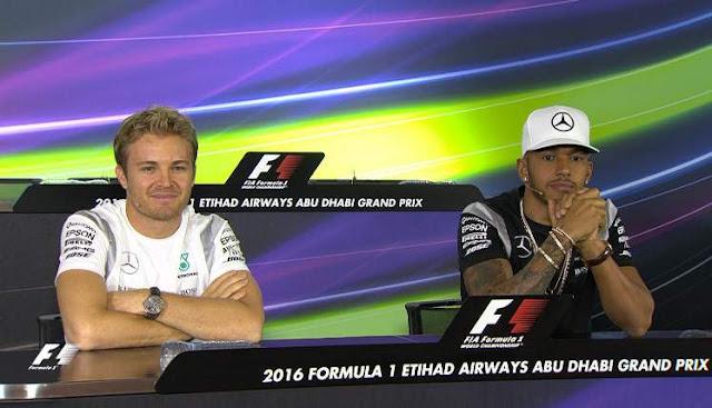 Nico-Rosberg-and-Lewis-Hamilton-AbuDhabi-16