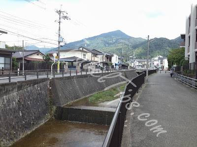 Canal Path to Shugakuin Villa