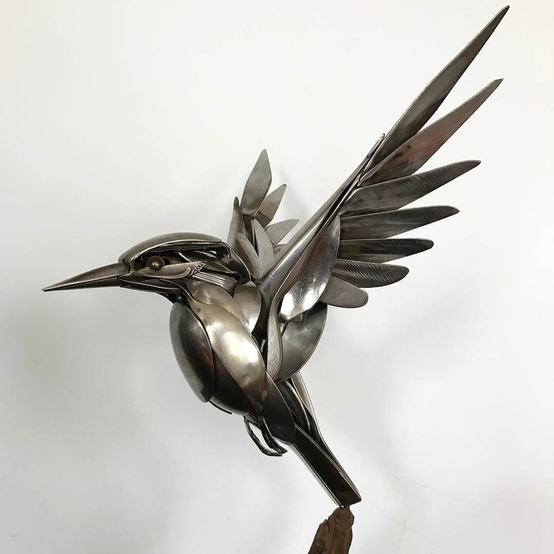 08-Kingfisher-Matt-Wilson-Recycled-Animal-Cutlery-Sculptures-www-designstack-co