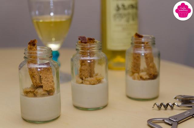 Panna cotta au foie gras, pommes caramélisées et pain d'épices
