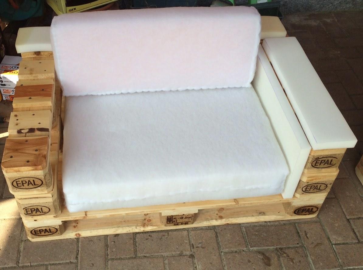 Divano fai da te con pallet idee per il design della casa - Costruire un divano in legno ...