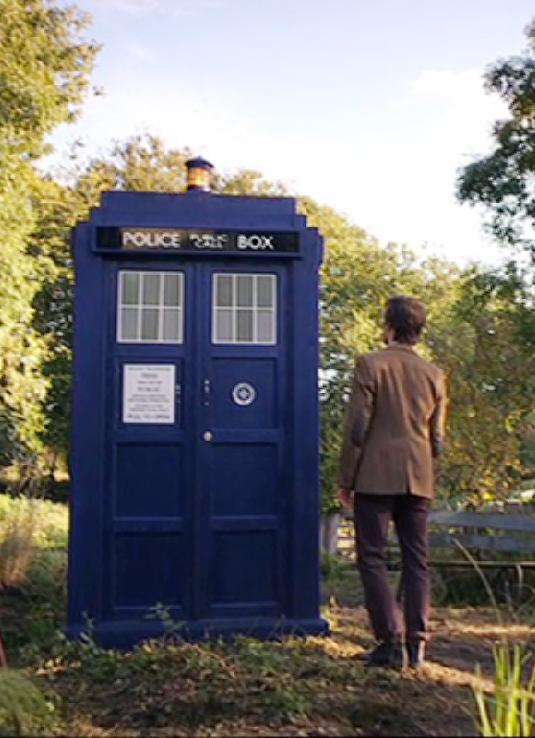 Making My 11th Doctor Costume Tardis Spotting