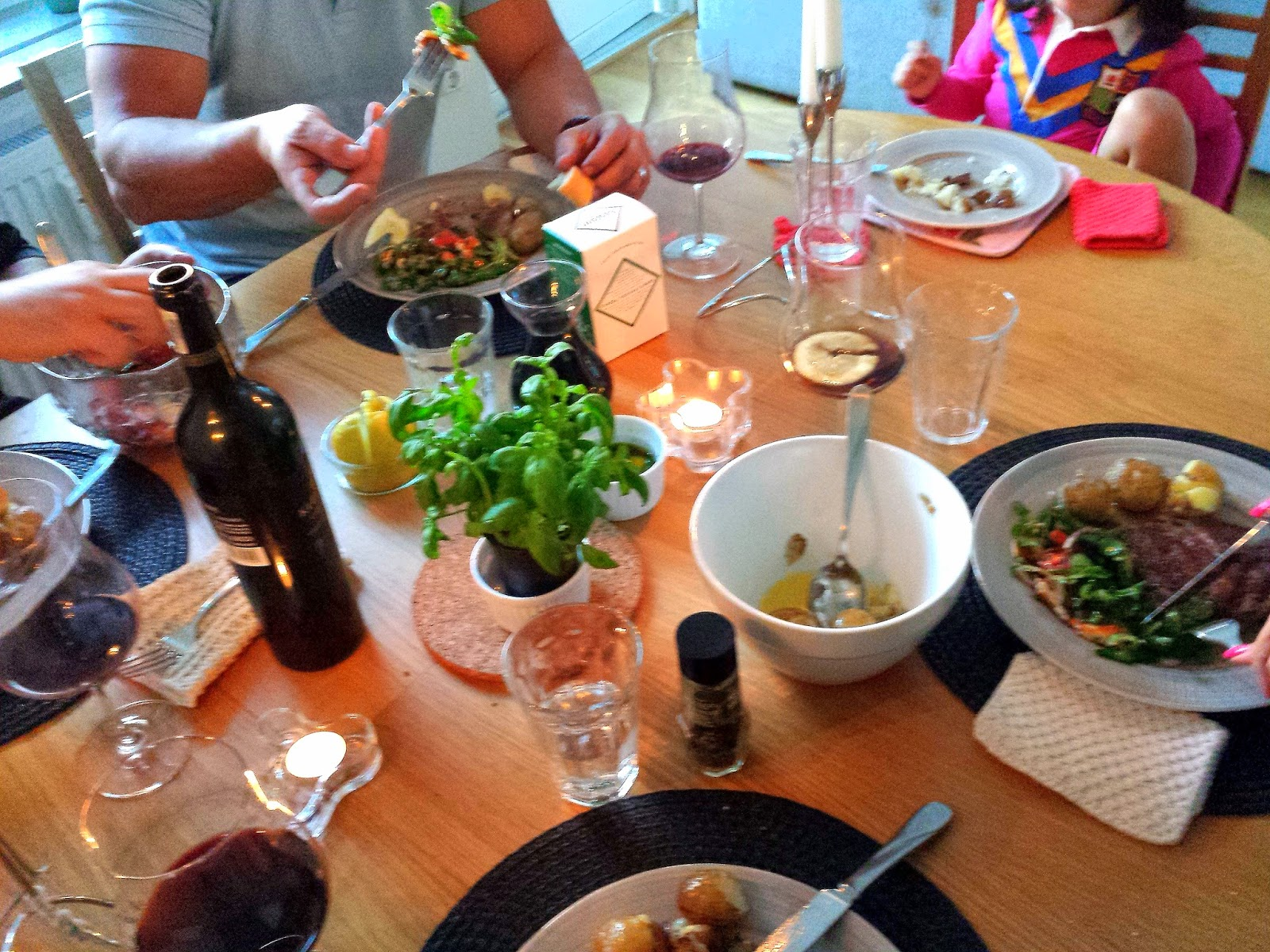 Dinner party  |  Summer in Stockholm on afeathery*nest  |  http://afeatherynest.blogspot.com