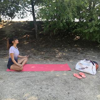 sara salamo, yoga, adidas, deporte, asanas, posturas, escuela yoga, aushadi, actriz