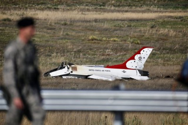 Two US Military Aerobatic Planes Crash Separately, One Dead