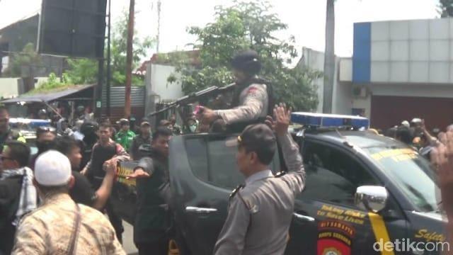 Kampanye Prabowo di DIY Ricuh Diganggu Pendukung 01, Polisi Lepaskan Tembakan