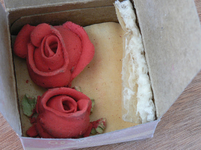 vintage icing rose, vintage rose in walls