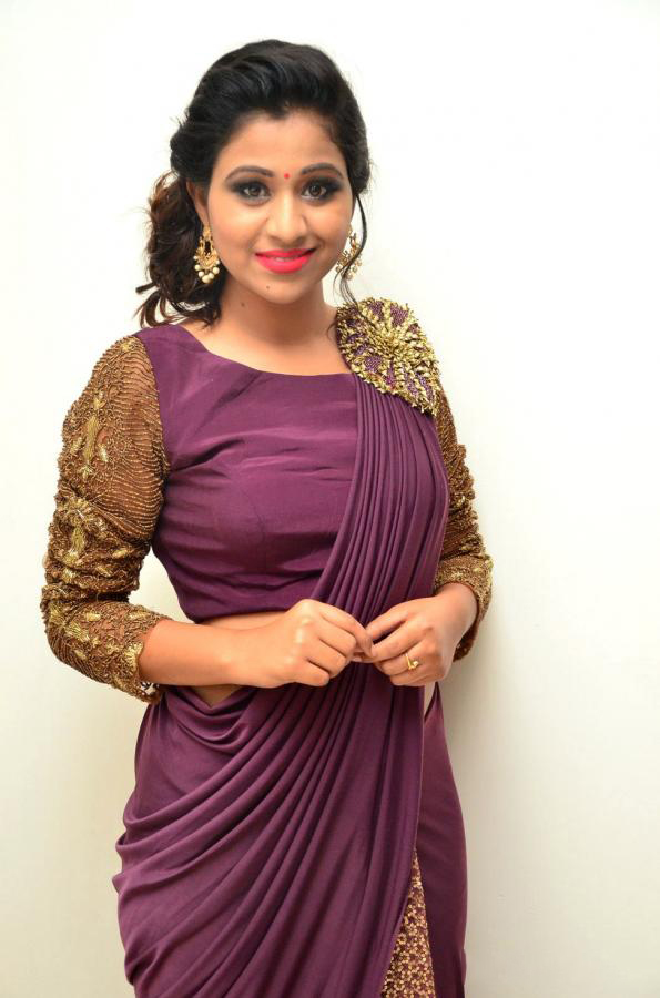 Actress Manali Rathode New Photos