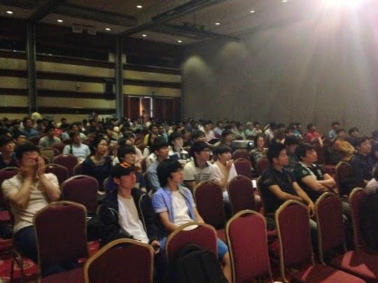 GDG Korea DevFest 2014: 많은 참석자들이 세션에 집중하시는 중 :)