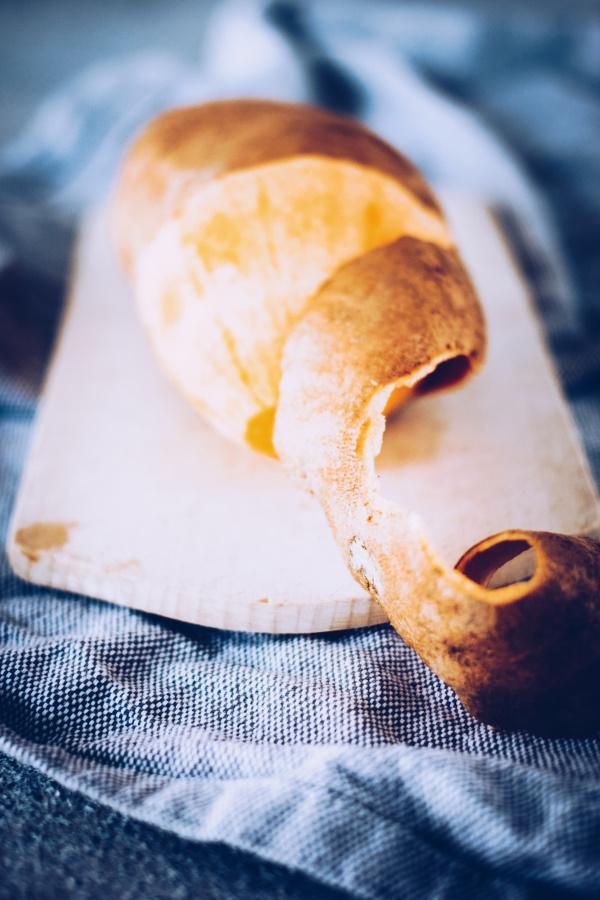 Süßkartoffeln grillen: Rezept für Grillpäckchen mit Lachs und Süßkartoffeln ohne Aluminium. By titatoni.de