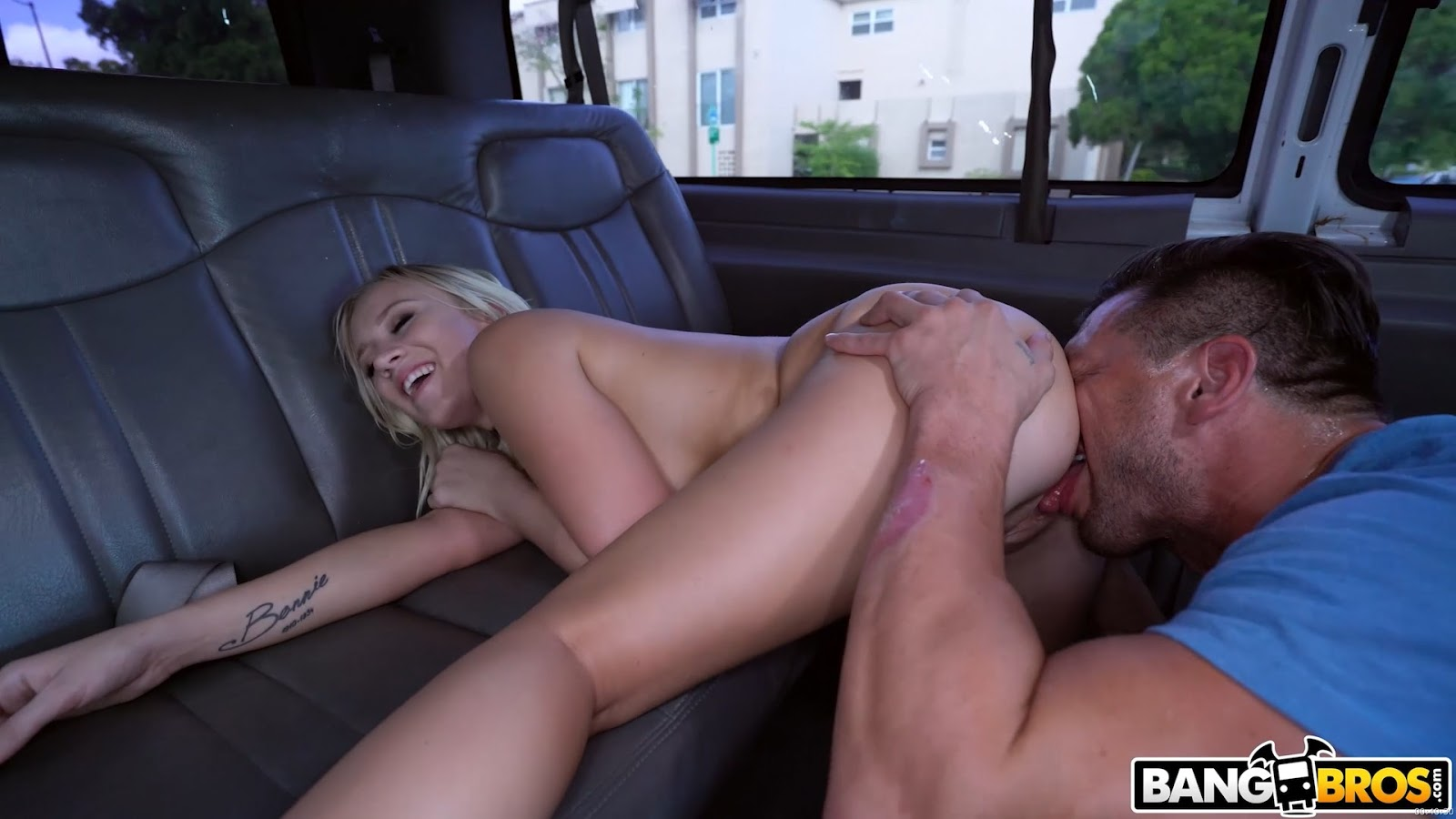 UNCENSORED [bangbros]2017-11-01 Reverse Bus With A Big Booty Blonde, AV uncensored