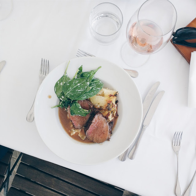 Looking to try something new this Thanksgiving? Take a look at these 15 fabulous restaurants to enjoy Thanksgiving dinner | www.eatingfabulously.com
