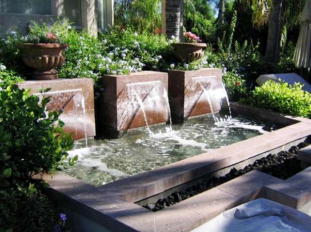 10 Desain Taman Belakang Dengan Kolam Air Terjun Mini Yang Mengagumkan - 007