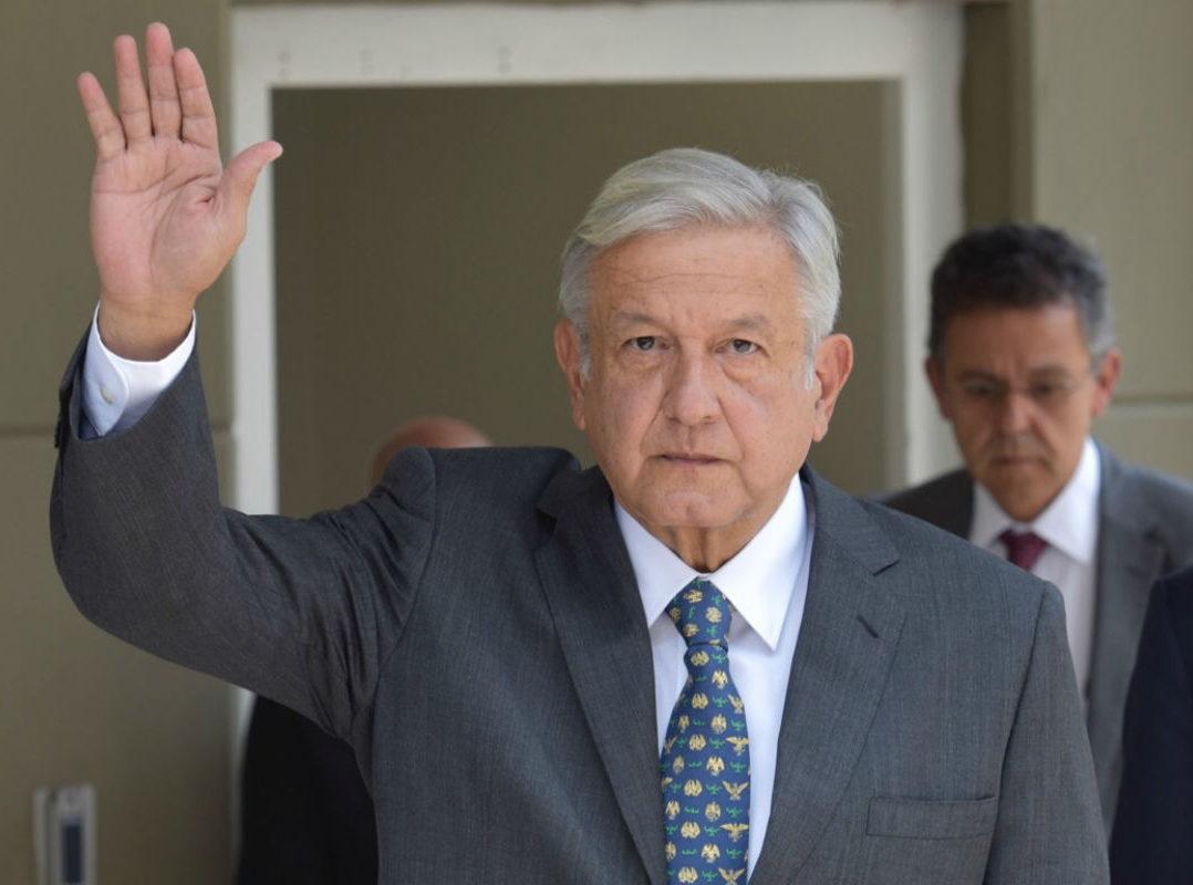 """""""Es un triunfo del pueblo de México y nosotros vamos a cumplir todos los compromisos"""": López Obrador"""