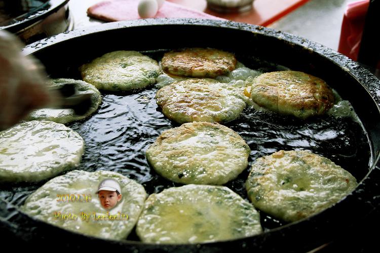 龔記蔥油餅|味珍香卜肉店前蔥油餅|宜蘭三星蔥油餅
