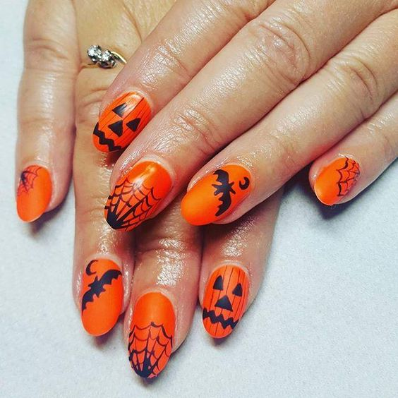 Halloween-Nail-Arts