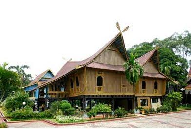 Desain Rumah Adat Riau Selaso Jatuh Kembar