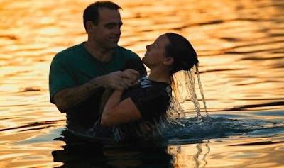 Resultado de imagem para batismo por imersao