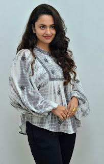 Vijetha Movie Heroine Malavika Nair Photos7