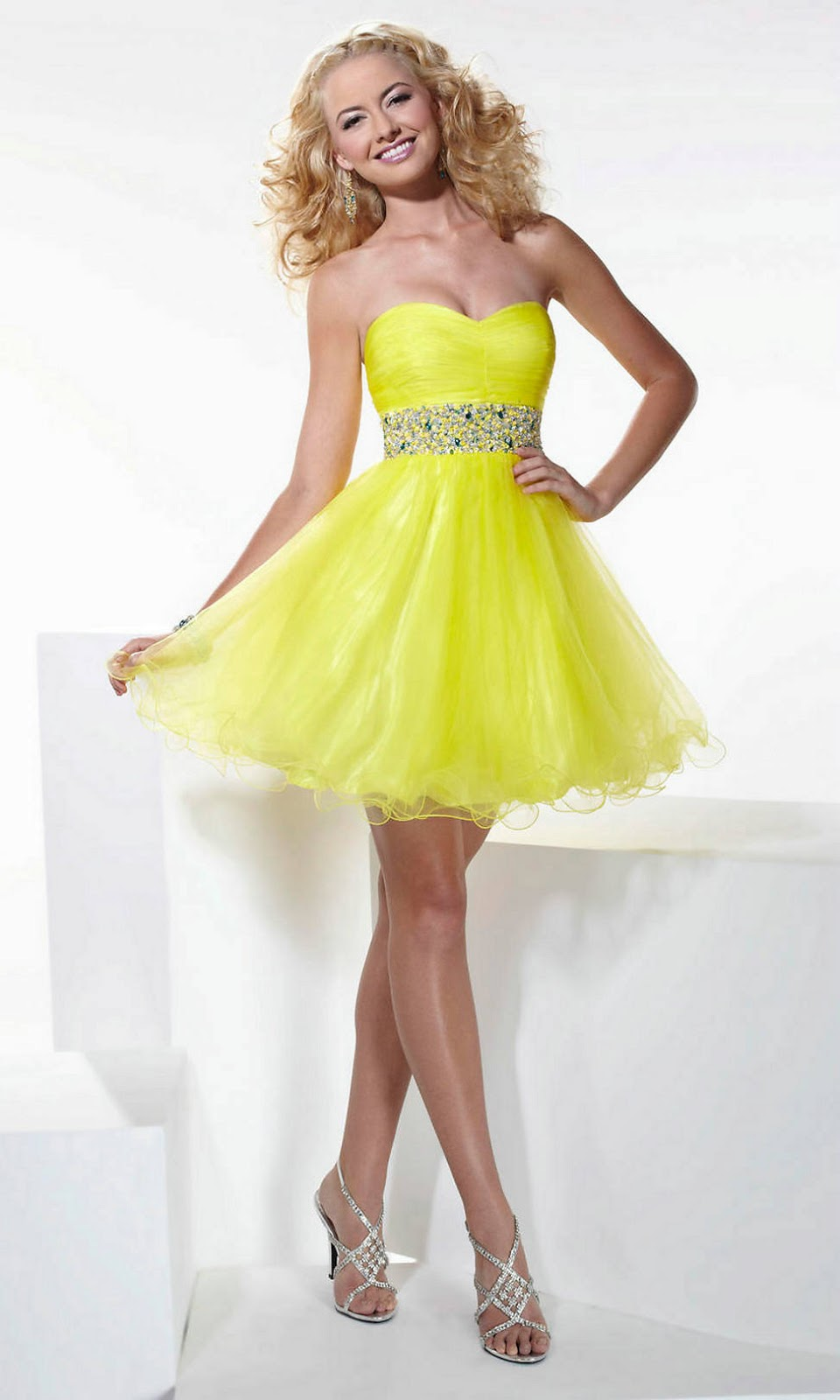 HAIRCUTS FOR LONG FACES: SHORT PROM DRESSES ARE VERY TRENDY