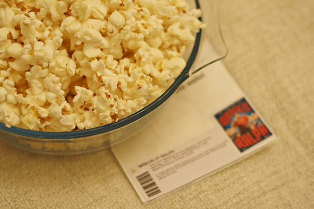 POPCORN BOWL AND DVD
