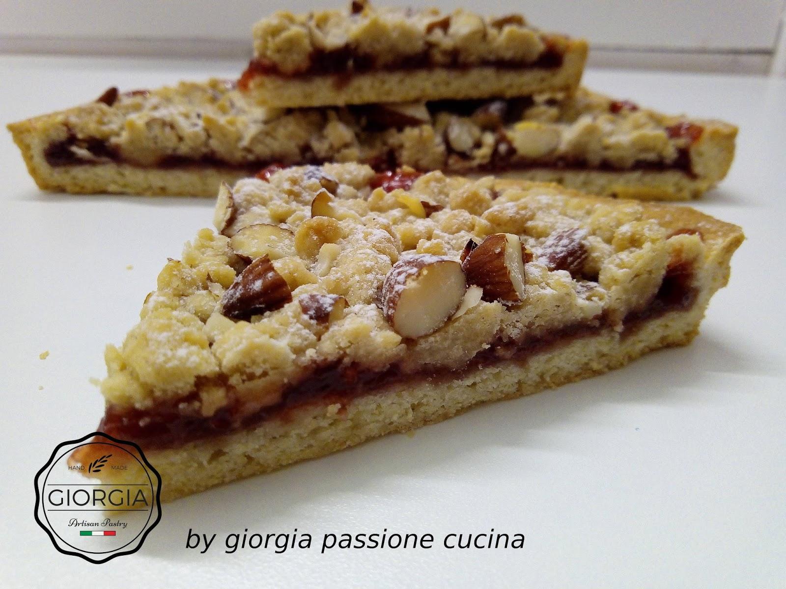 giorgia passione cucina: Strawberry crumble con cannella e mandorle ...