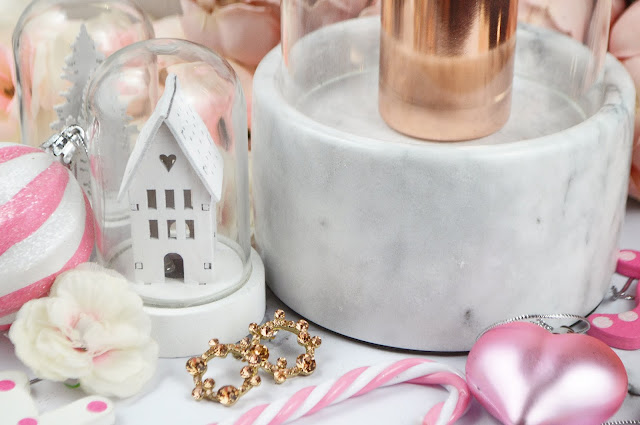Absolute Christmas Gift GOALS From Prezzybox, Review on Lovelaughslipstick Blog, Gift Guide