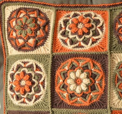 Crochet pillow pattern - overlay crochet
