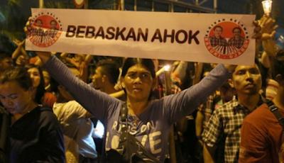 Singapura Ancam Cabut Visa Ahoker Yang Berani Bikin Aksi