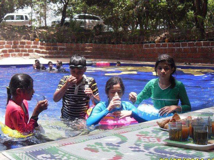Forest farm karjat - Titwala farmhouse with swimming pool ...