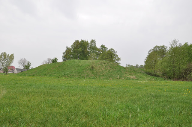 Grodzisko wczesnośredniowieczne pierścieniowate w Mokrzku
