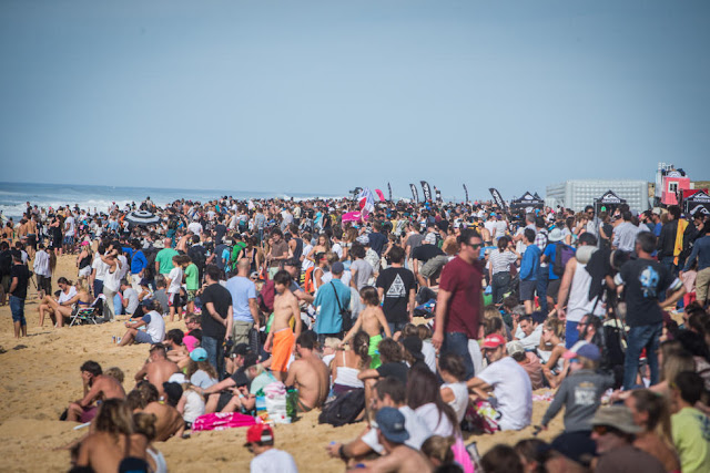 0 Crowd 2015 Quiksilver Pro France Fotos WSL Poullenot Aquashot