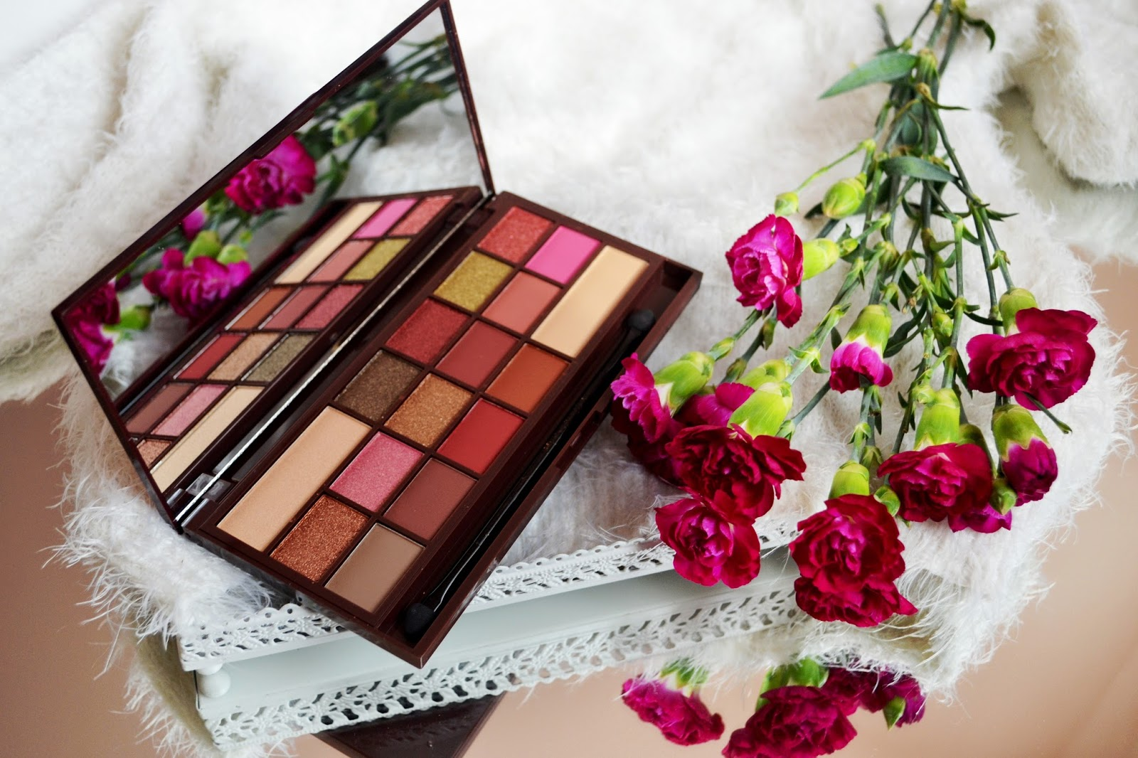 Makeup Revolution ROSE GOLD - najpiękniesza z całej kolekcji?