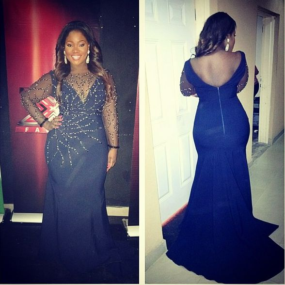 toolz shows hips in dress