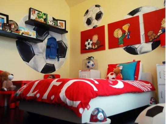 Wallpaper kamar tidur untuk anak laki-laki motif bola