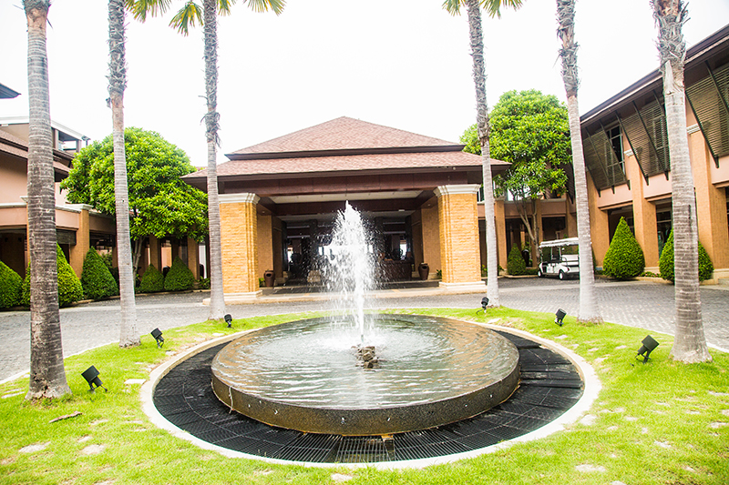 Radisson Blu Plaza Phuket hotel entrance