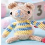 http://www.topcrochetpatterns.com/free-crochet-patterns/three-amigurumi-animals