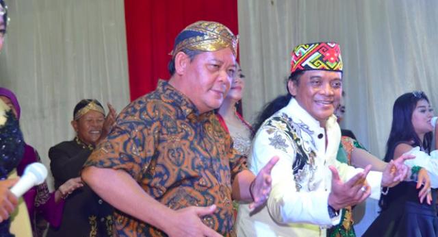 Arsip Kinerja Bupati Paolus Hadi Berhasil Antar Pelajar Sanggau Raih Predikat Peneliti Terunggul..