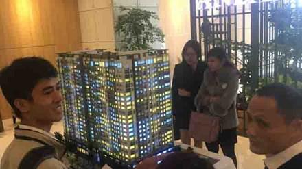 Khá đông khách hàng tham dự lễ ra mắt căn hộ mẫu