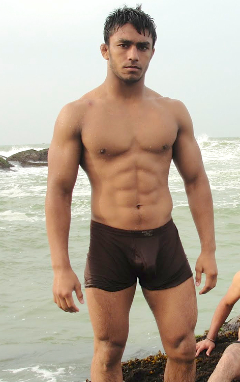 Shirtless Bollywood Men Hot Brown Guys In Shorts Boxers -7713