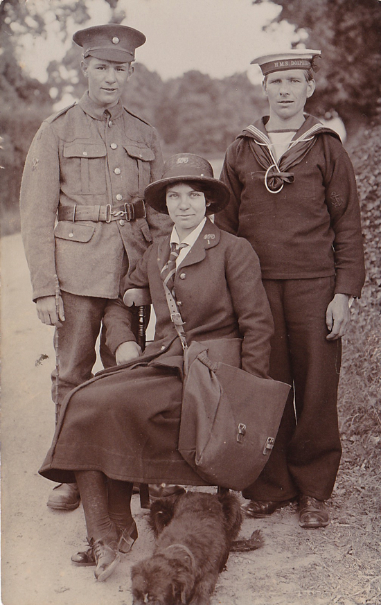Photograph of three Nash family members c1917
