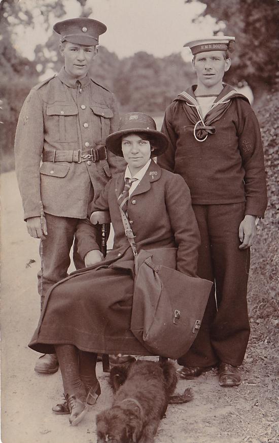 Photograph of three Nash family members c1917