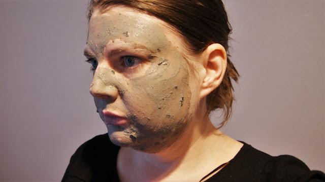 GLAMGLOW YOUTHMUD Tingleexfoliate Face Mask